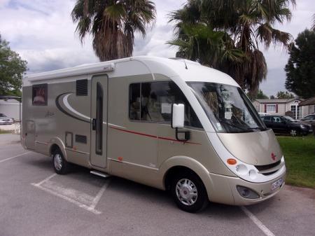 camping car BURSTNER AVIANO I727 modele 2009